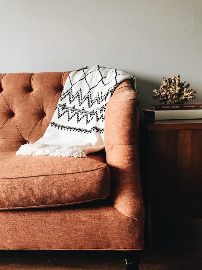 Canapé en tissu épais
